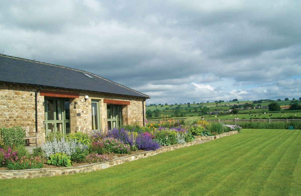 East Lodge a british holiday cottage for 8 in ,