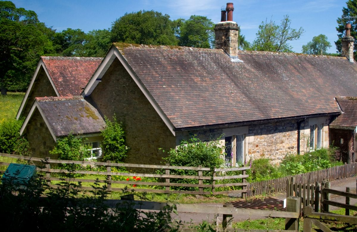 Haughton Castle - Garden Cottage a british holiday cottage for 4 in ,