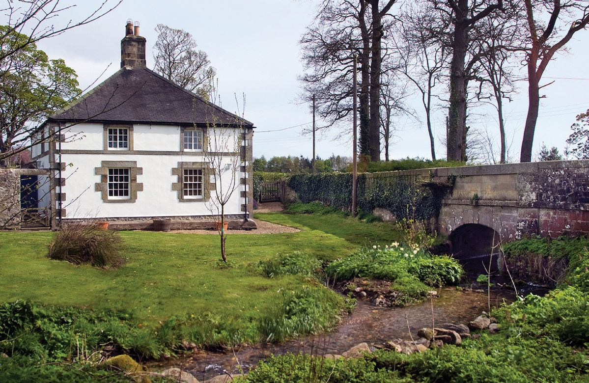 Haughton Castle - White Lodge a british holiday cottage for 4 in ,