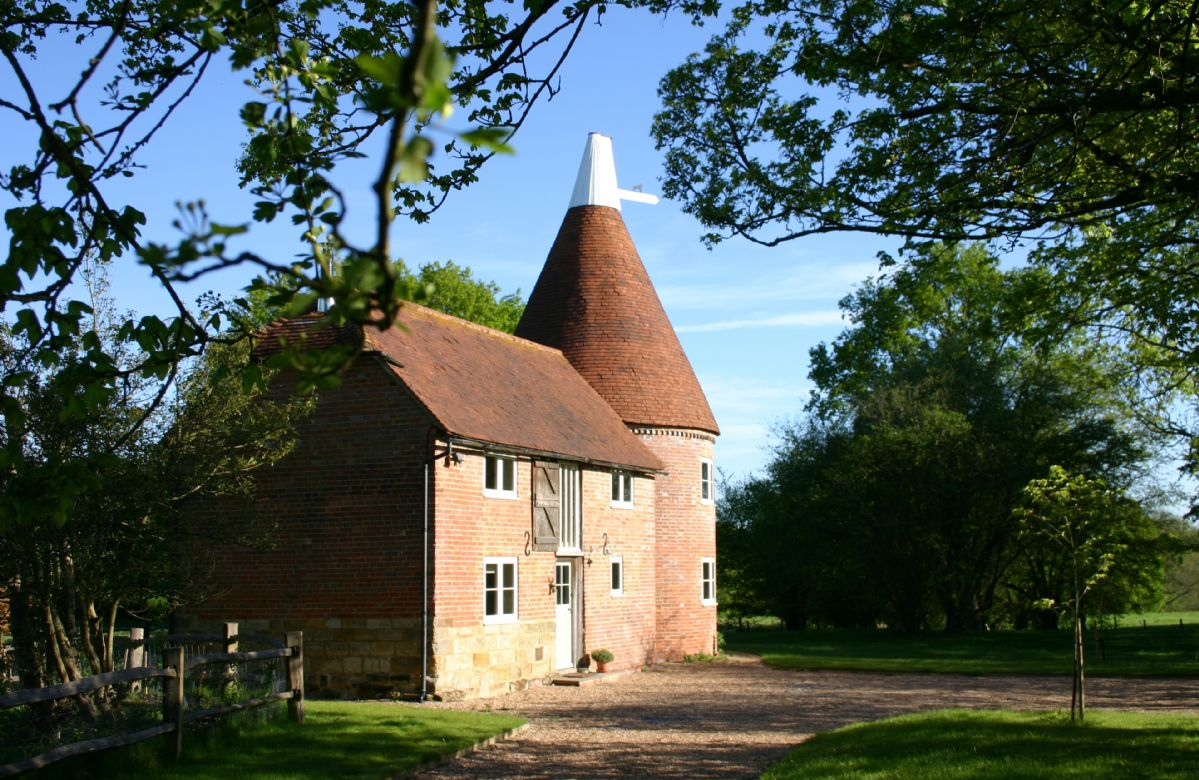 Bakers Farm Oast a british holiday cottage for 4 in ,