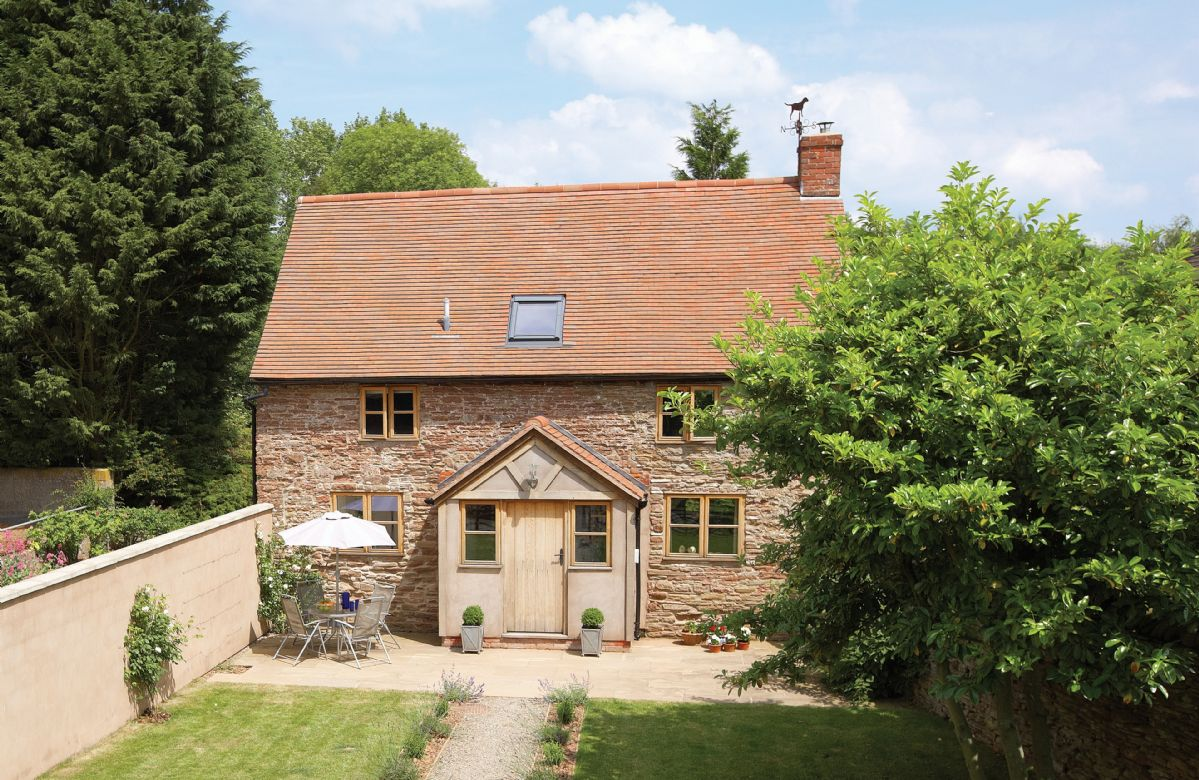 Hampton Wafre Cottage a british holiday cottage for 4 in ,
