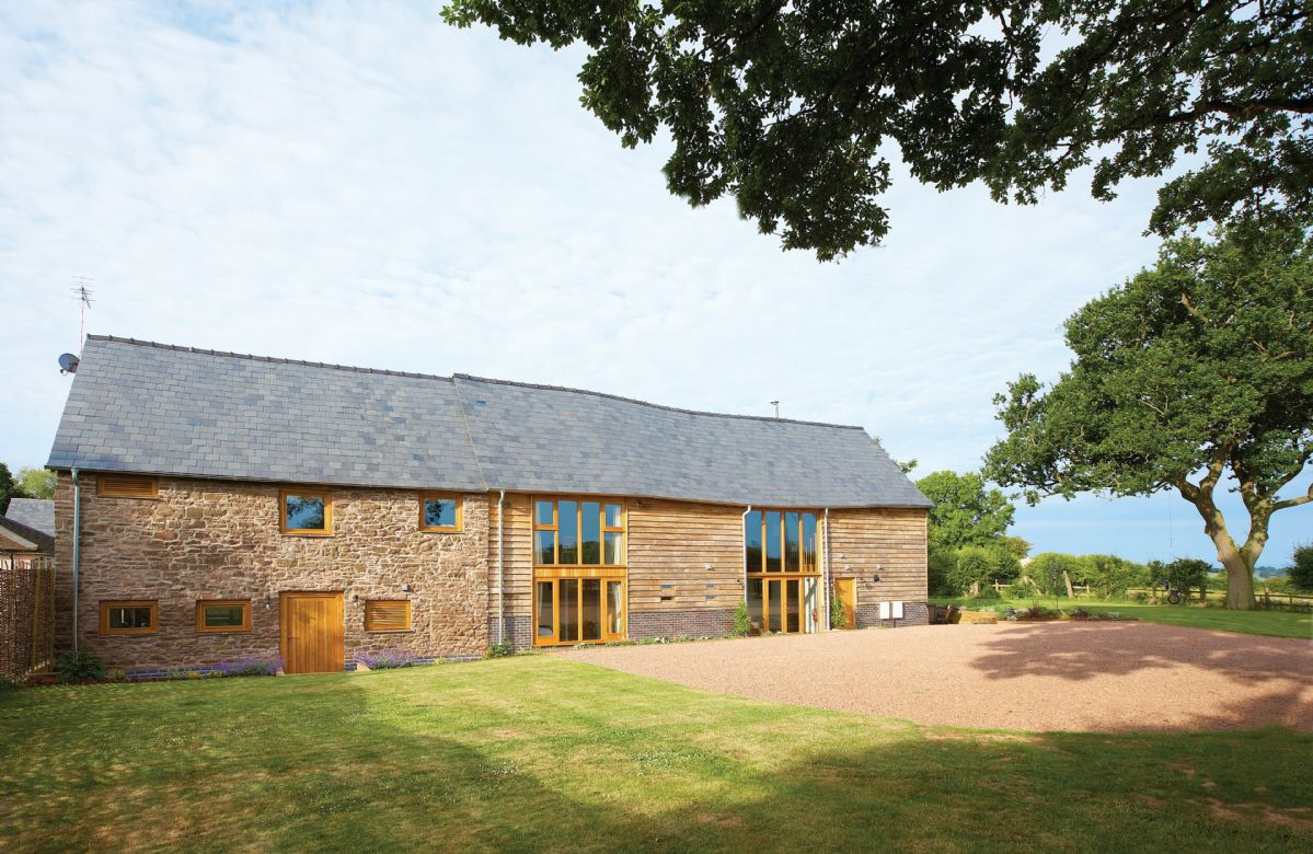 Wall Hills Barn a british holiday cottage for 12 in ,
