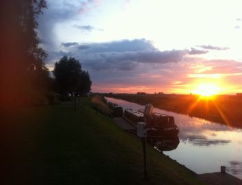 Floods Ferry Marina and Touring Park Holiday Lodges in Cambridgeshire