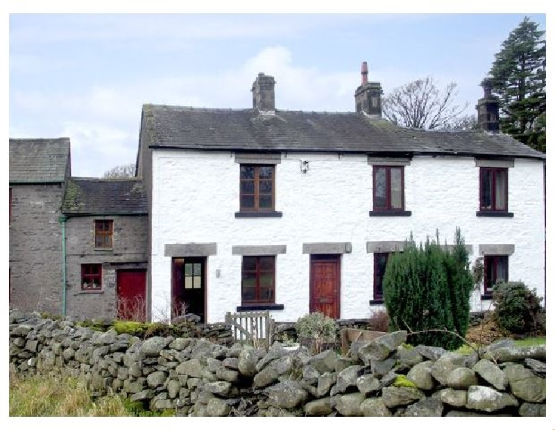 Low Green Cottage a british holiday cottage for 4 in ,