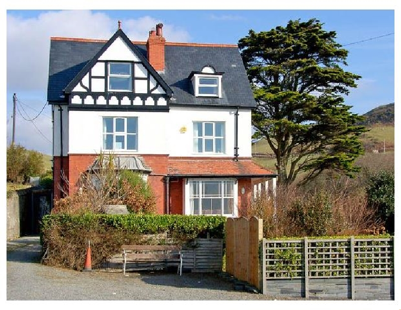 Brodawel House a british holiday cottage for 15 in ,