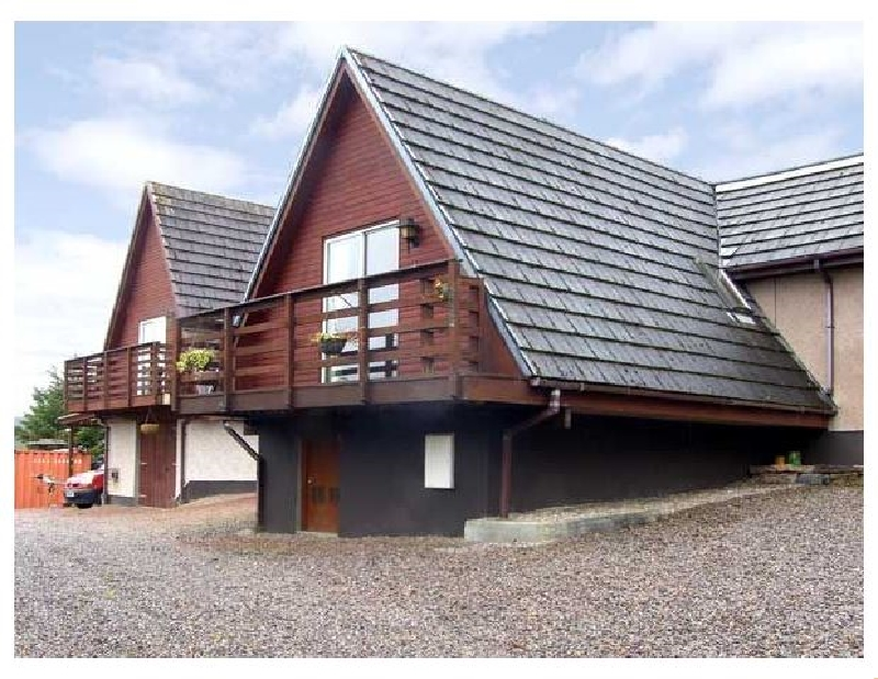 Larchfield Chalet 2 a british holiday cottage for 4 in ,