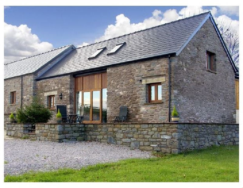 Millbrook Barn a british holiday cottage for 8 in ,