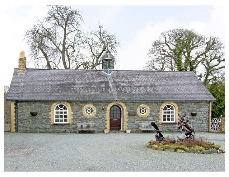 Woodberry a british holiday cottage for 8 in ,