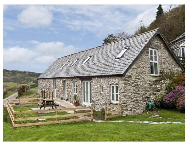 Bronnydd- Tyddyn Ysgubor a british holiday cottage for 6 in ,