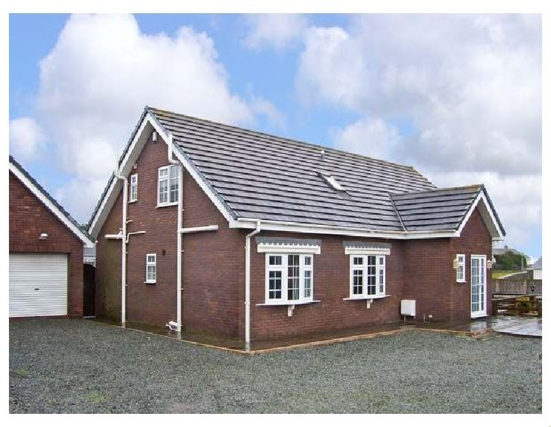 Firhaven a british holiday cottage for 12 in ,