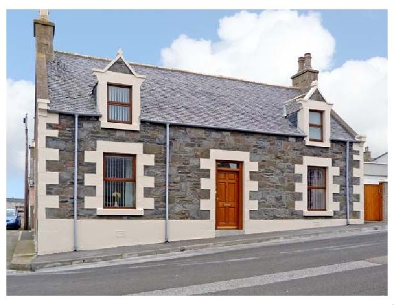 Gracemount a british holiday cottage for 7 in ,