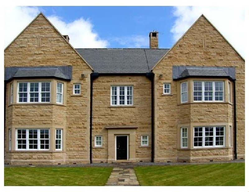 Burnhope Shooting Lodge a british holiday cottage for 18 in ,