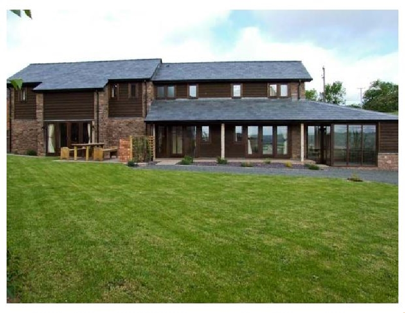 Bushmills a british holiday cottage for 9 in ,
