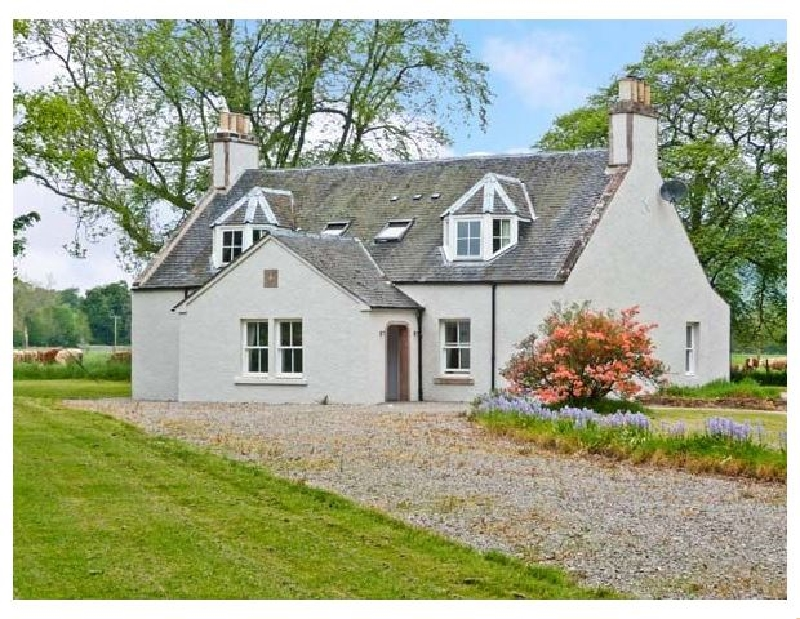 Easter Urray a british holiday cottage for 10 in ,