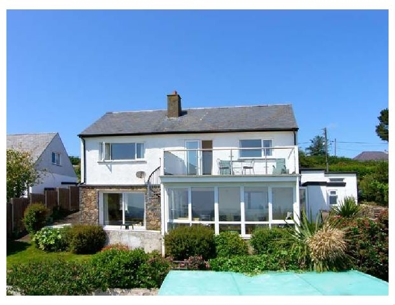 Garna a british holiday cottage for 11 in ,