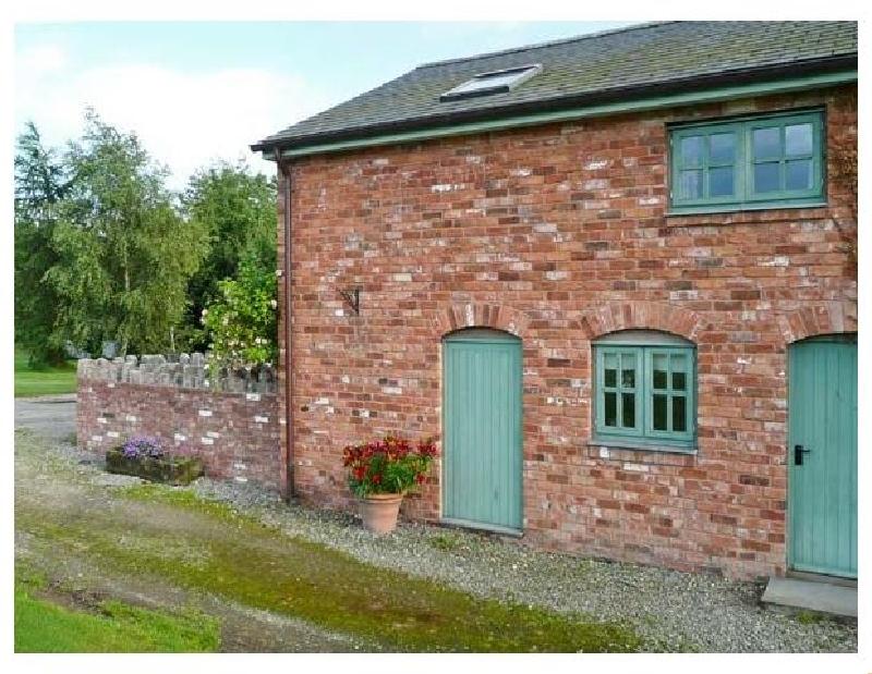 Glan Clwyd Isa - Llyn Clwyd a british holiday cottage for 6 in ,