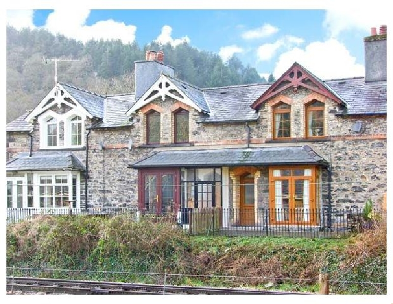 3 Railway Cottages a british holiday cottage for 4 in ,
