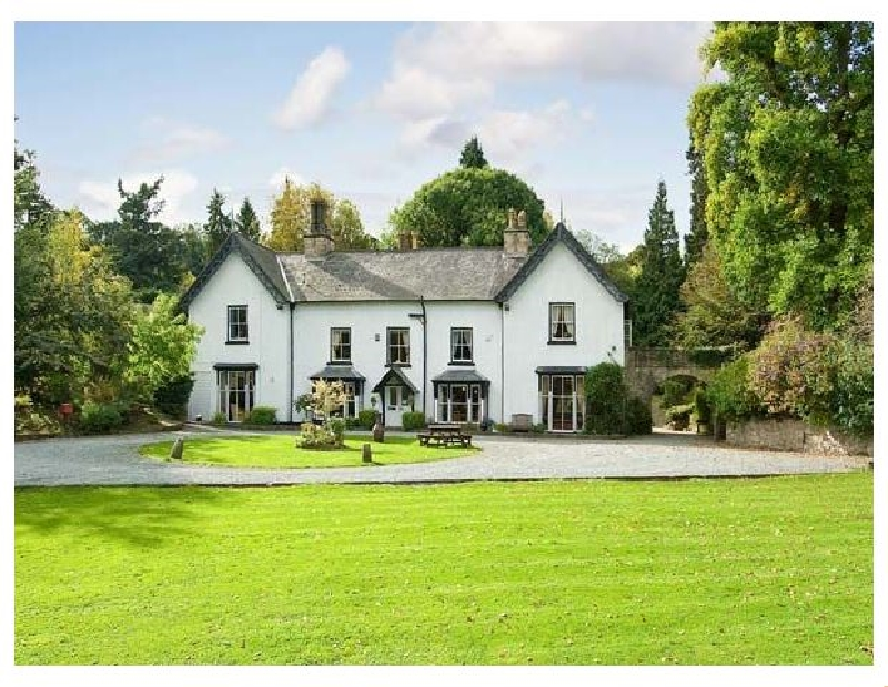 Brookside Manor House a british holiday cottage for 30 in ,