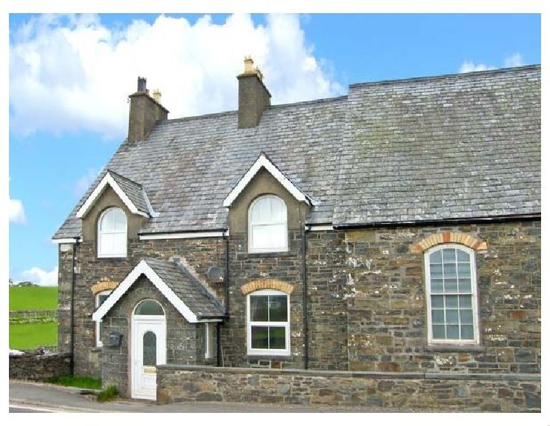 Glan Nug a british holiday cottage for 10 in ,