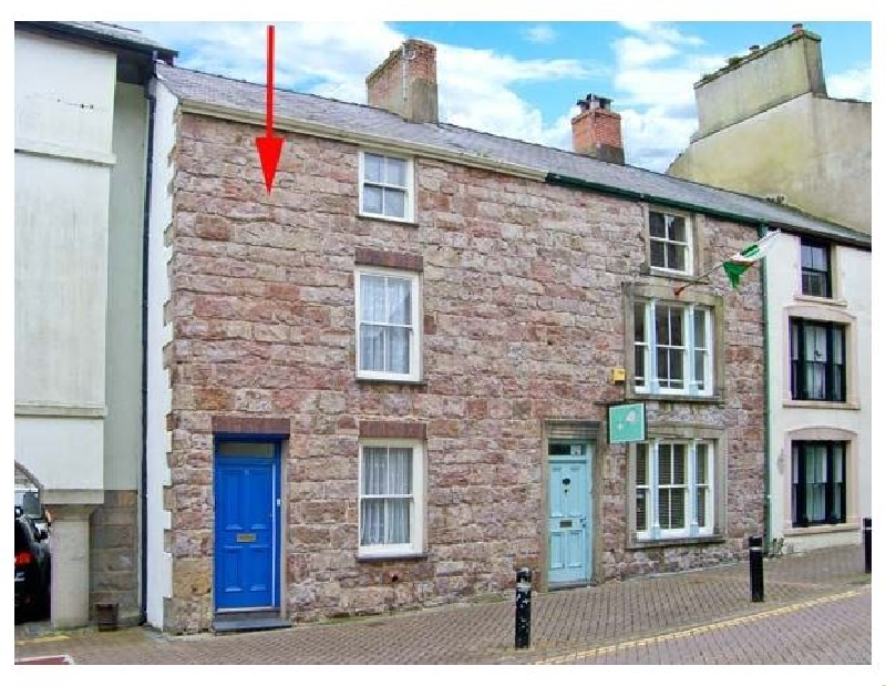 Castle Street Cottage a british holiday cottage for 9 in ,