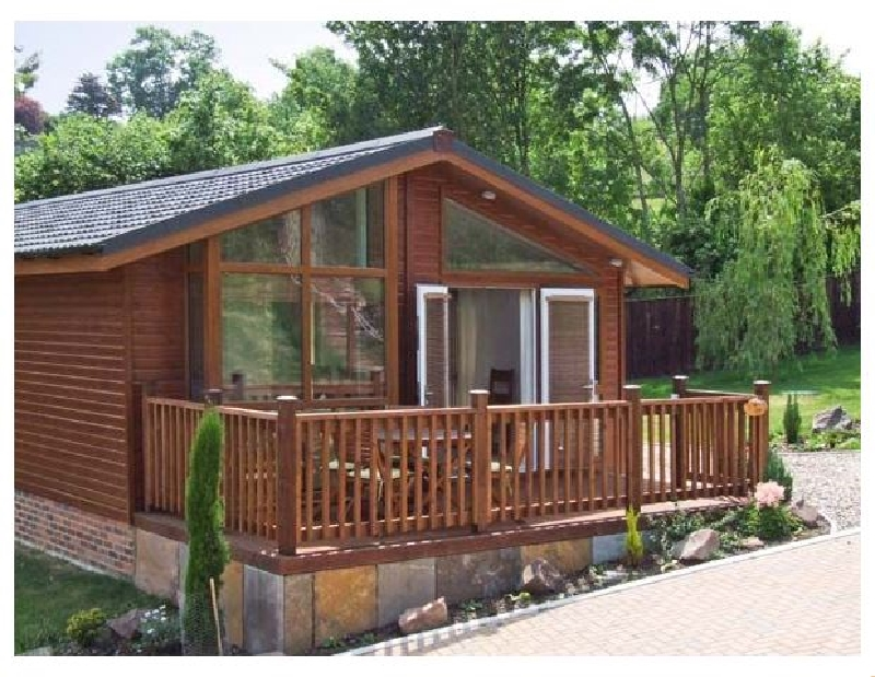 Oak Lodge a british holiday cottage for 4 in ,