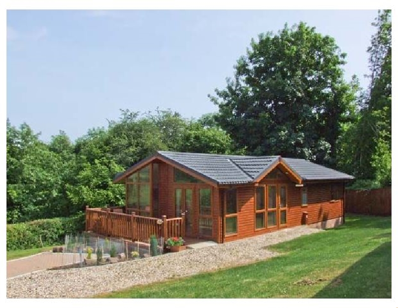 Ash Lodge a british holiday cottage for 4 in ,