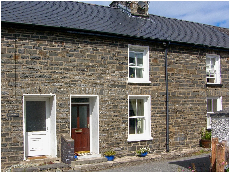 Glynmoor a british holiday cottage for 8 in ,