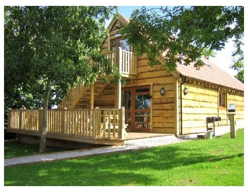Ash Lodge a british holiday cottage for 8 in ,