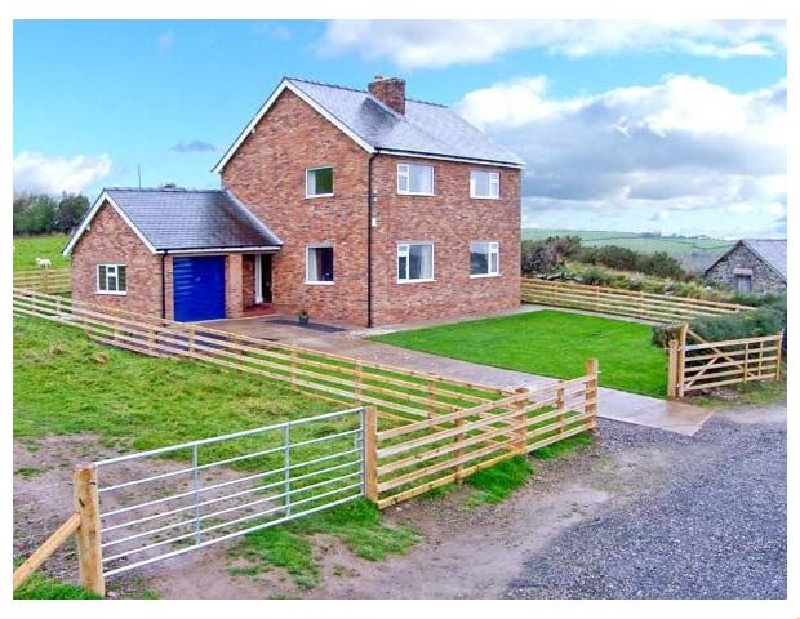 Pen Y Gaer a british holiday cottage for 6 in ,