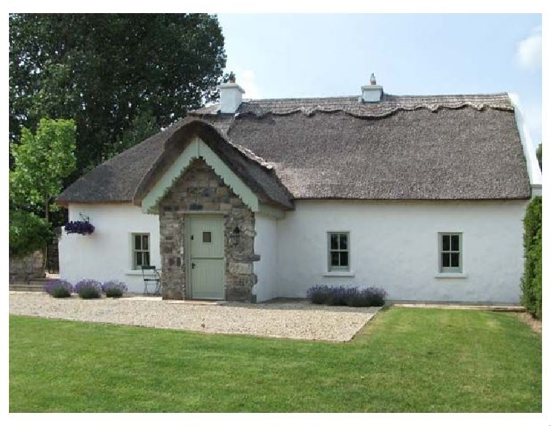 The Humble Daisy a british holiday cottage for 6 in ,