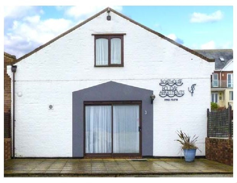 North West Sea View No. 3 a british holiday cottage for 4 in ,