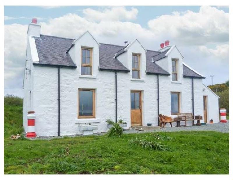 Coastal Holidays - Red Chimneys Cottage