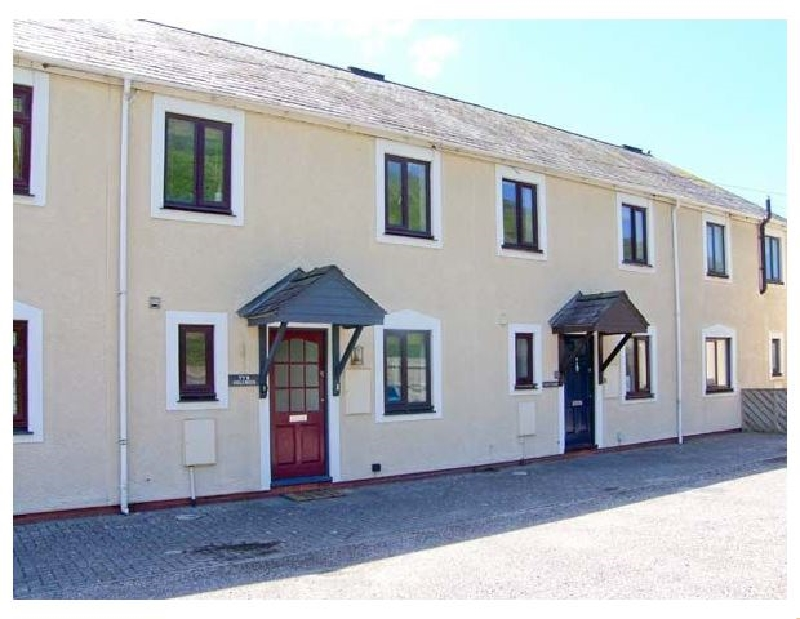 Ty'r Heulwen a british holiday cottage for 8 in ,