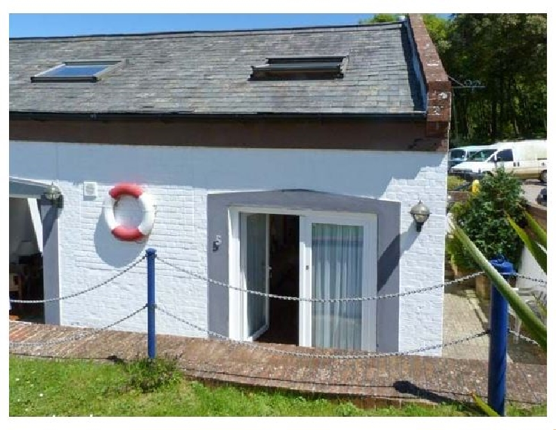West Sea View No 5 a british holiday cottage for 3 in ,