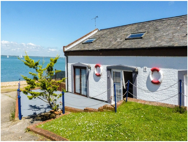 West Sea View No 4 a british holiday cottage for 3 in ,