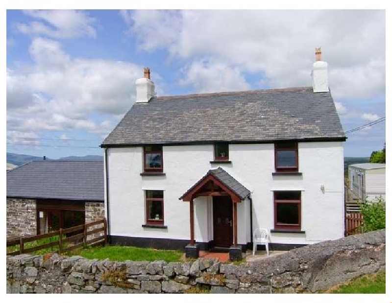 The Old Farmhouse a british holiday cottage for 6 in ,