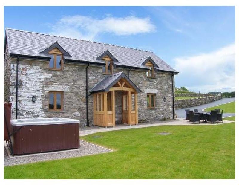 Tyn Y Celyn Canol a british holiday cottage for 6 in ,