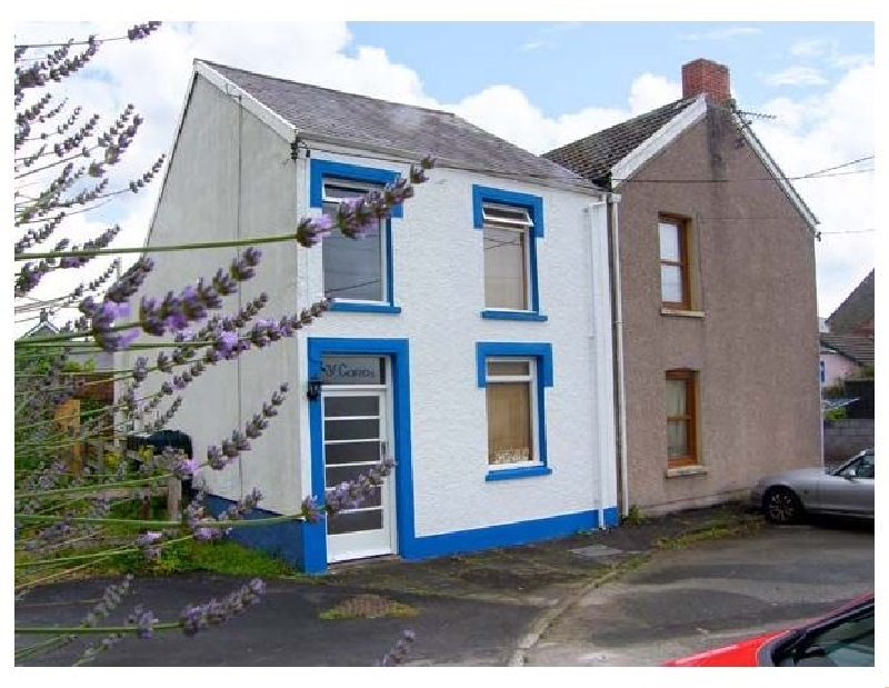 Y Garth a british holiday cottage for 5 in ,