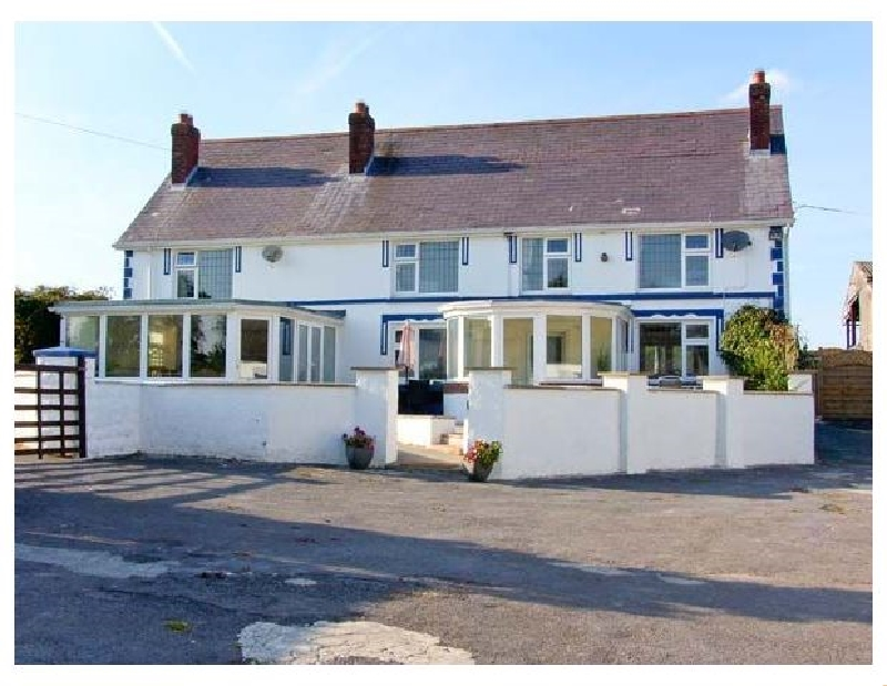 Blaensilltyn a british holiday cottage for 12 in ,