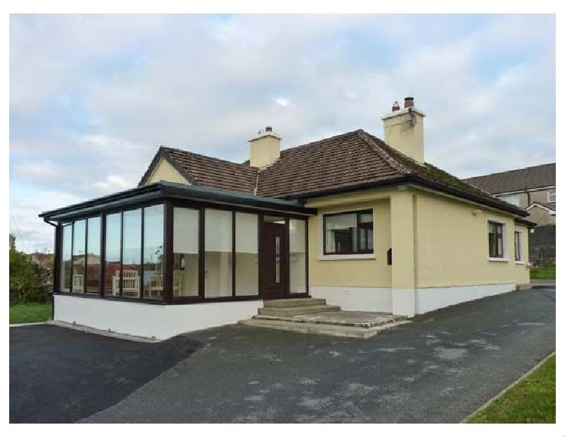 Cliff Lodge a british holiday cottage for 6 in ,