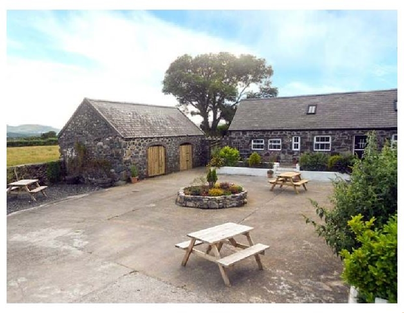 Bwthyn yr Helyg (Willow Cottage) a british holiday cottage for 6 in ,