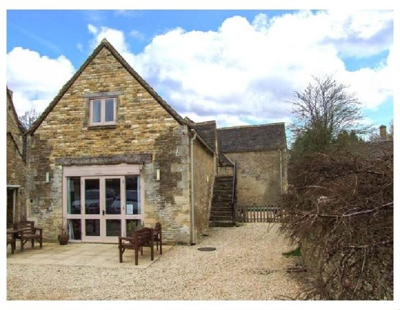 Greyhound Barn a british holiday cottage for 16 in ,