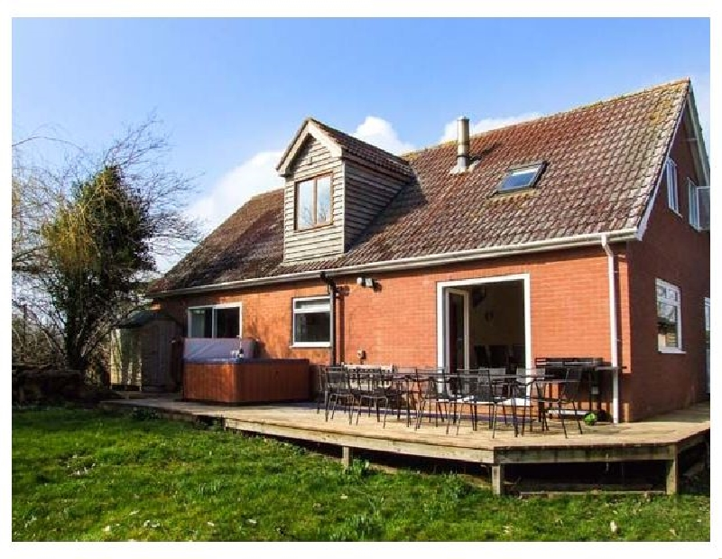 Bye Cross Cottage a british holiday cottage for 10 in ,