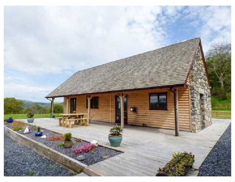 Nantllyn a british holiday cottage for 8 in ,
