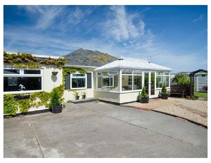 Beach Cottage a british holiday cottage for 12 in ,