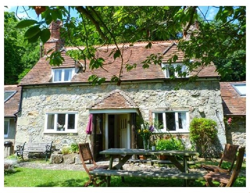 Lisle Combe Cottage a british holiday cottage for 6 in ,