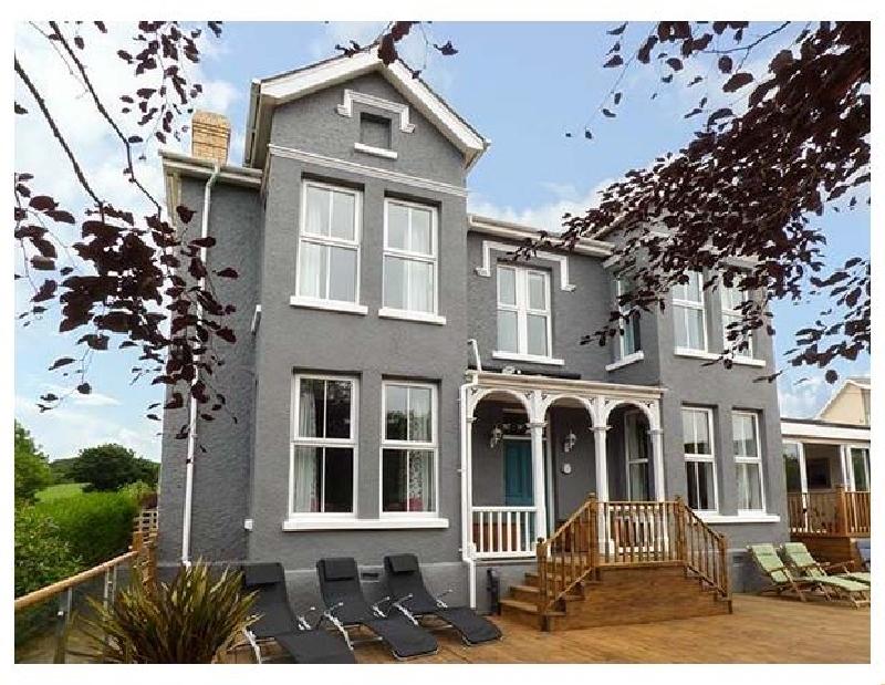 Bryn Berwyn a british holiday cottage for 20 in ,