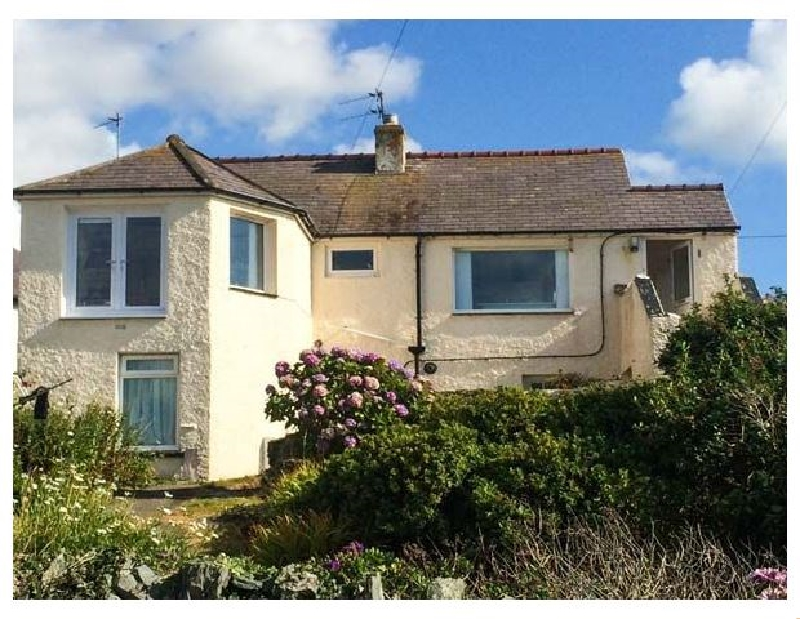 Ty'r Enfys Bach - Upper a british holiday cottage for 4 in ,