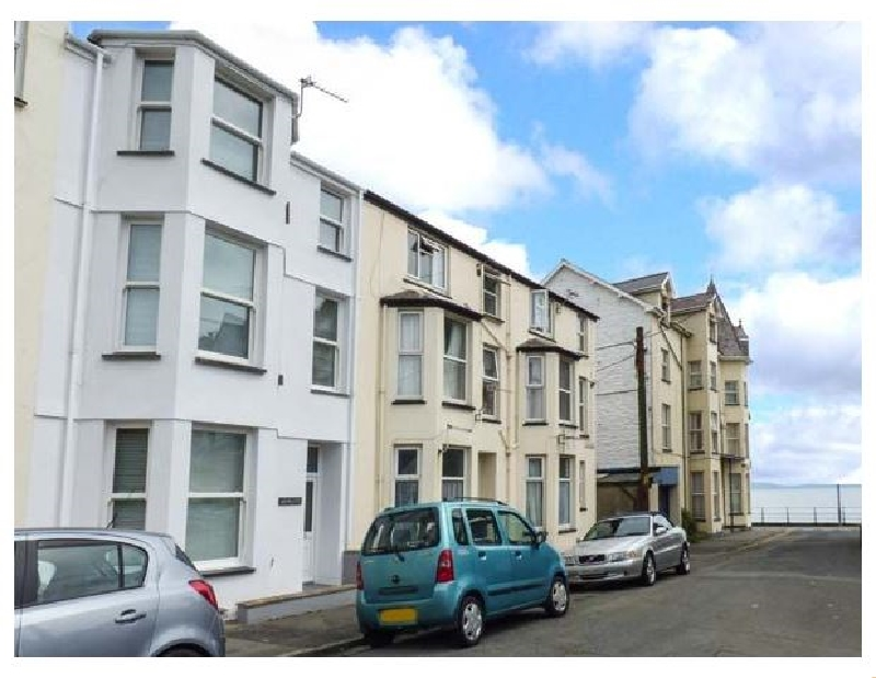 Y Castell Apartment 1 a british holiday cottage for 2 in ,