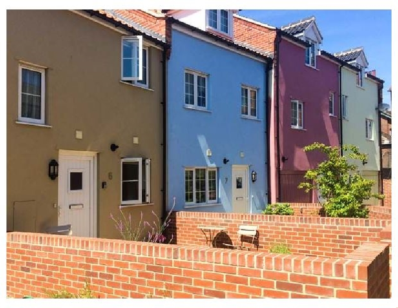Click here for more about 6 Sea Mews